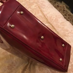 Longchamp Bags - LONGCHAMP ROSEAU MEDIUM PATENT BOX TOTE BAG 782534eed093e
